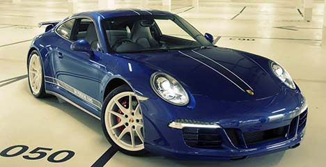 Facebook 911 Carrera 4S