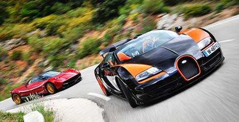 Bugatti Veyron Vitesse vs Pagani Huayra