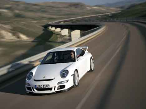 Here's a few wallpapers featuring the Porsche 997