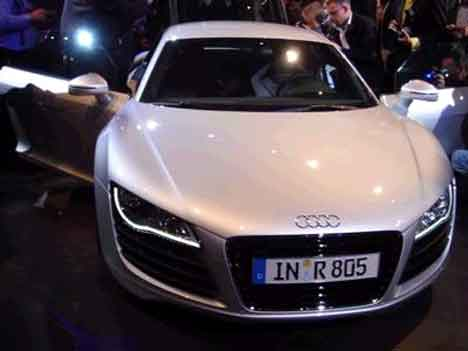 r8 in paris