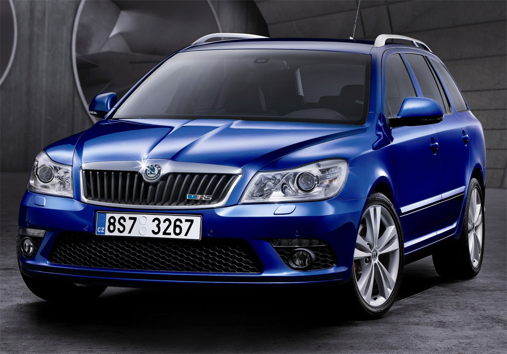 Skoda Octavia Scout Pictures. The facelifted Octavia RS has